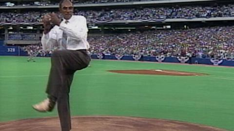 1991ASG: Jenkins tosses ceremonial first pitch