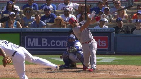 LAA@LAD: Pujols singles to put Angels on board in 9th