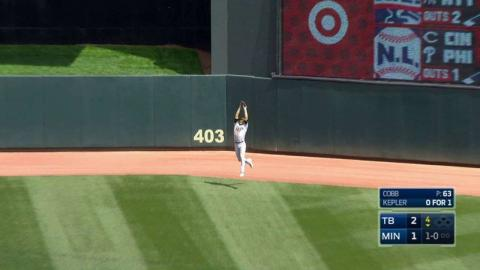 TB@MIN: Kiermaier smoothly makes jumping catch