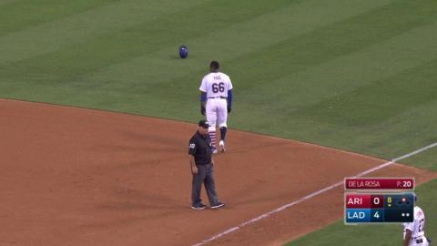 ARI@LAD: Jorge De La Rosa makes nimble play on mound