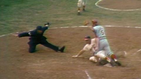 1970 WS Gm5: Powell scores on Rettenmund's single