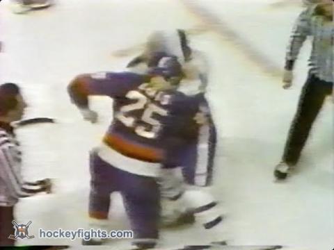 Dave Lewis vs Tiger Williams Apr 23, 1978