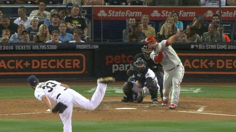 PHI@SD: Shields fans eight batters over 6 2/3 innings