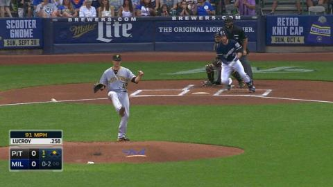 PIT@MIL: Lucroy singles to put Brewers on the board