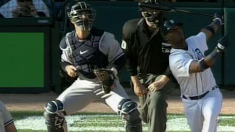 2006 ALDS Gm4: Monroe's two-run homer