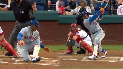 NYM@PHI: Cespedes falls on swing, then homers