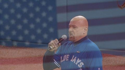 TEX@TOR Gm3: Tranquada sings 'Star-Spangled Banner'