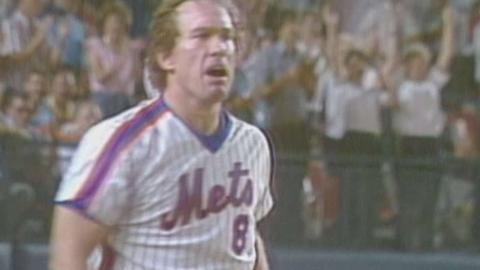 HOU@NYM: Carter hits three-run home run off Scott