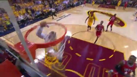 Lebron James Comes in Hot for Thunderous Dunk