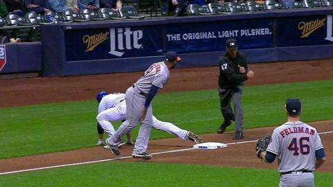 HOU@MIL: Castro throws Braun out at third