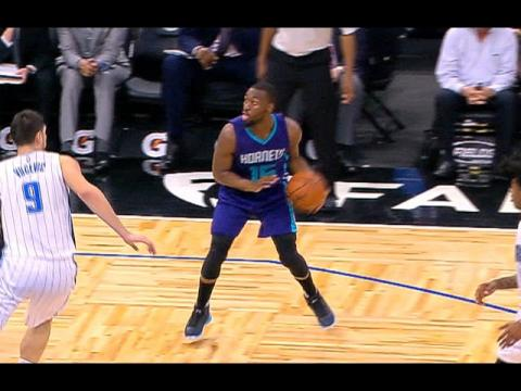 Kemba Walker Nice Hesitation And No Look To Kidd-Gilchrist  12.28.16
