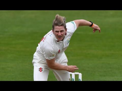 20 wickets fall on extraordinary day, Leicestershire v Glamorgan, Day One