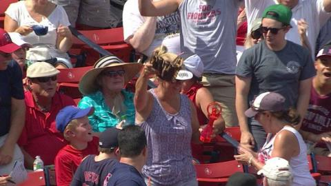 SEA@BOS: Fan snags a foul while holding glove in hand
