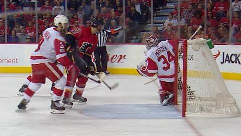 11/09/17 Condensed Game: Red Wings @ Flames