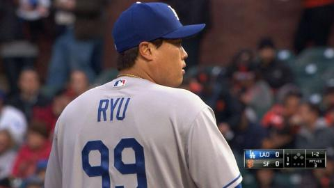 LAD@SF: Ryu strikes out Pence swinging in the 1st