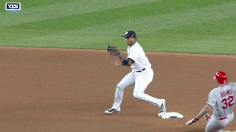 STL@NYY: Adams out at second base, call confirmed