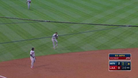 MIN@LAA: Polanco makes jumping throw to nab Escobar