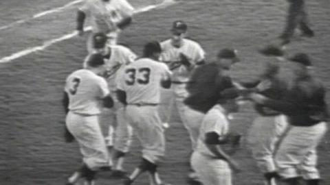 1965 WS Gm6: Grant gets final out, Twins win Game 6