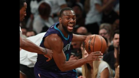 BEST Crossovers and Handles from 11.04.16. Kemba Walker, Wall, and More!