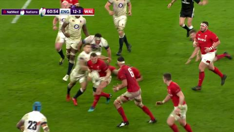 Try saving tackle from Sam Underhill as Wales come agonisingly close! | NatWest 6 Nations
