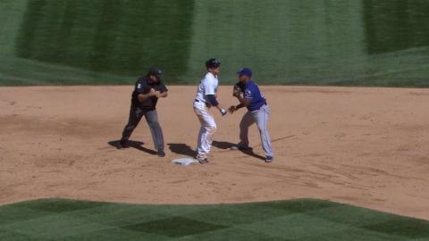 TEX@SEA: Rangers retire Trumbo on wild play
