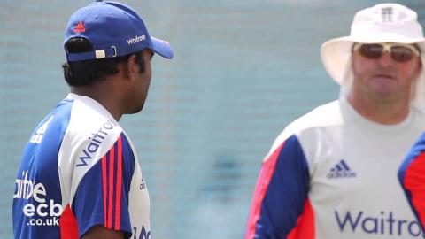 Bayliss says England must embrace playing cricket in India