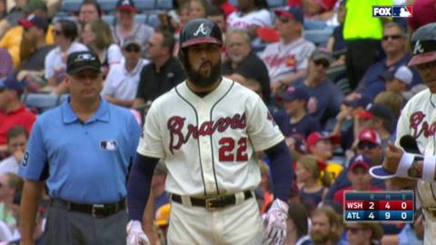WSH@ATL: Markakis extends the lead with an RBI single