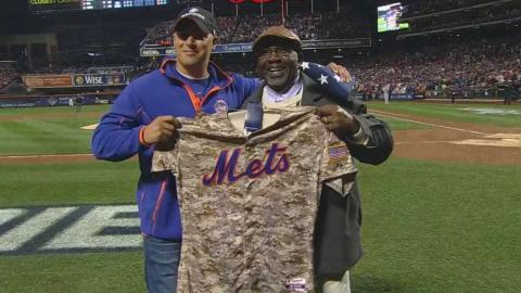 WS2015 Gm4: Ferreira honored as Veteran of the Game