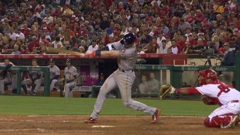 HOU@LAA: Moran singles for first Major League hit