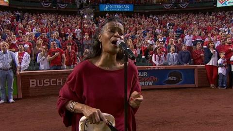 CHC@STL: Chuck Berry's daughter sings national anthem