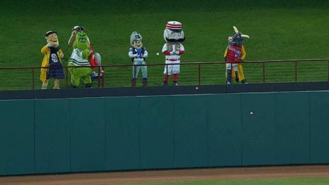 LAA@TEX: Mascots reel in Trout in between innings