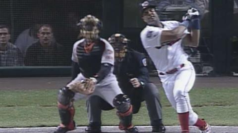 1997 ALCS Gm4: Alomar hits a two-run homer in 2nd