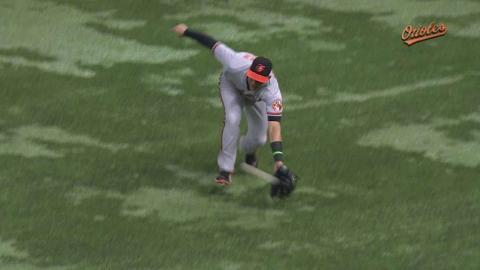 BAL@TB: Alvarez robs Guyer with great running catch