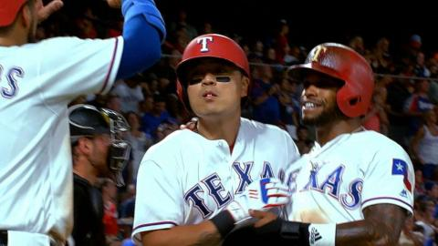 CHW@TEX: Rangers score 17 runs in win over White Sox