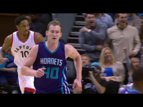 Zeller Slashes in the Lane and Slams Home the Poster Dunk