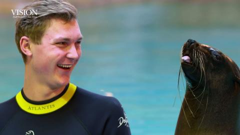 Dubai World Superseries Finals 2016 | Badminton - Viktor Axelsen's Sea Lion Experience