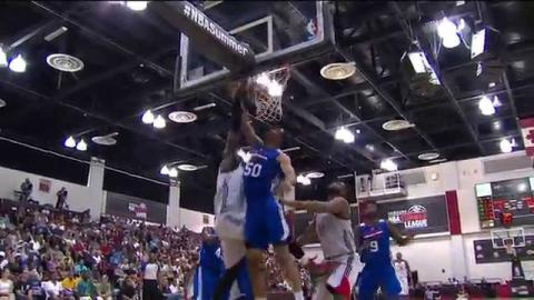 Montrezl Harrell Brings Down the House with his Dunkfest!