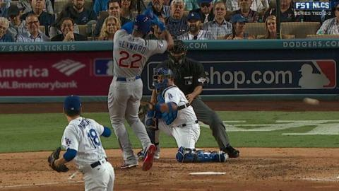 NLCS Gm5: Heyward goes to first after getting plunked