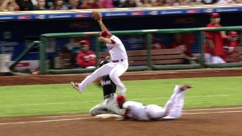 MIA@PHI: Gordon reaches first on pitcher obstruction