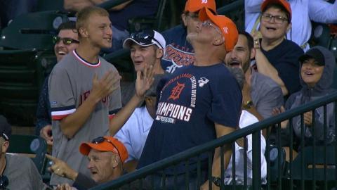 HOU@DET: Tigers fan explains how he dropped the ball