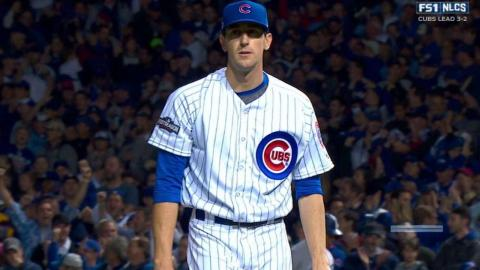 NLCS Gm6: Hendricks fans Pederson in the 5th inning