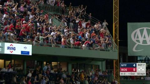 NYY@BOS: Fan catches a foul ball in the third deck