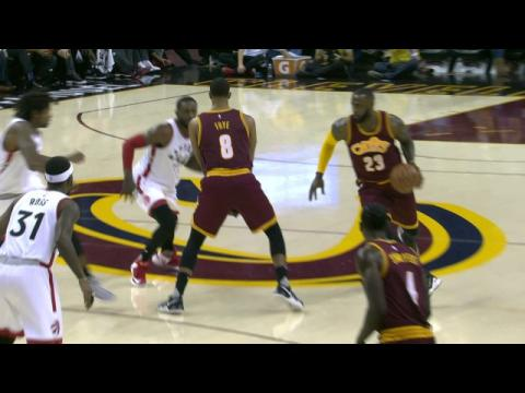 LeBron James Shows off for Oscar Robertson