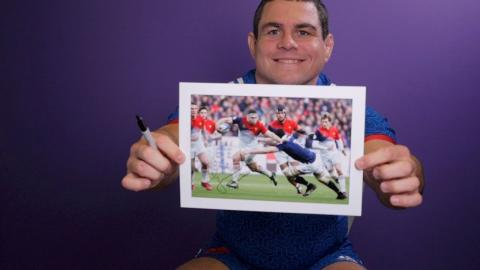 Competition: Win a signed Guilhem Guirado photo from 2017!   NatWest 6 Nations
