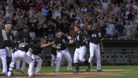 LAA@CWS: Thome hits walk-off home run in 15th