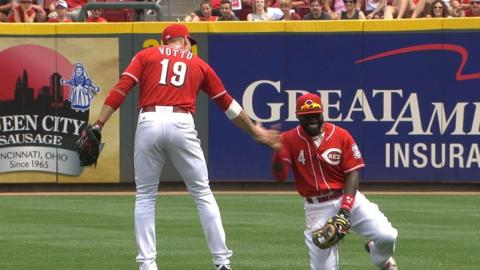 SD@CIN: Votto, Phillips laugh after nearly colliding