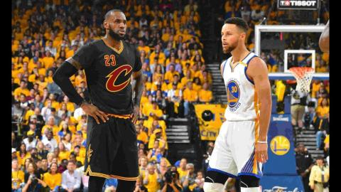 LeBron James, Stephen Curry Make History With Dueling Triple-Doubles