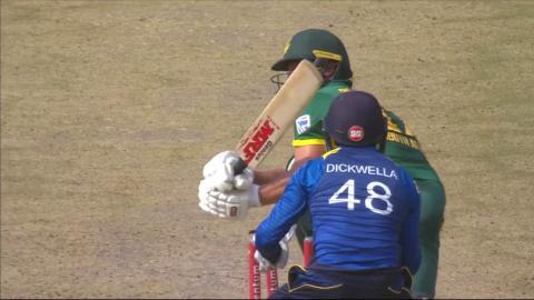 South Africa vs Sri Lanka - 4th ODI - AB de Villiers Wicket
