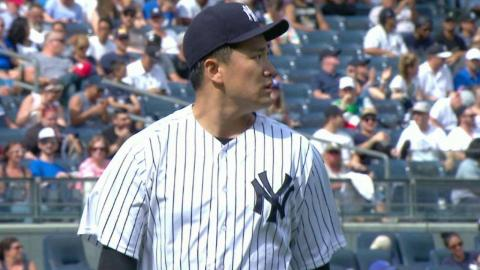 TOR@NYY: Tanaka fans Upton Jr. in the 6th