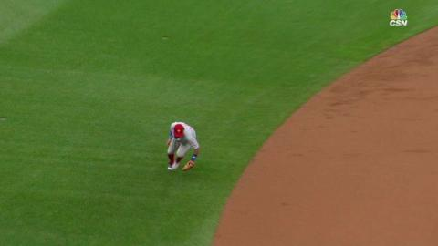 PHI@CHC: Galvis ranges to make a great play on Baez